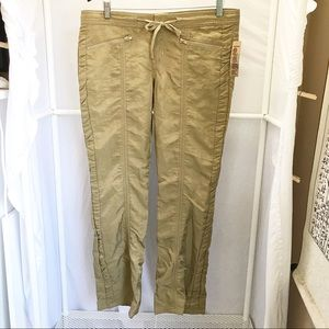 NWT• LEI Scout Nylon Hipster Pants Sz 9 Juniors